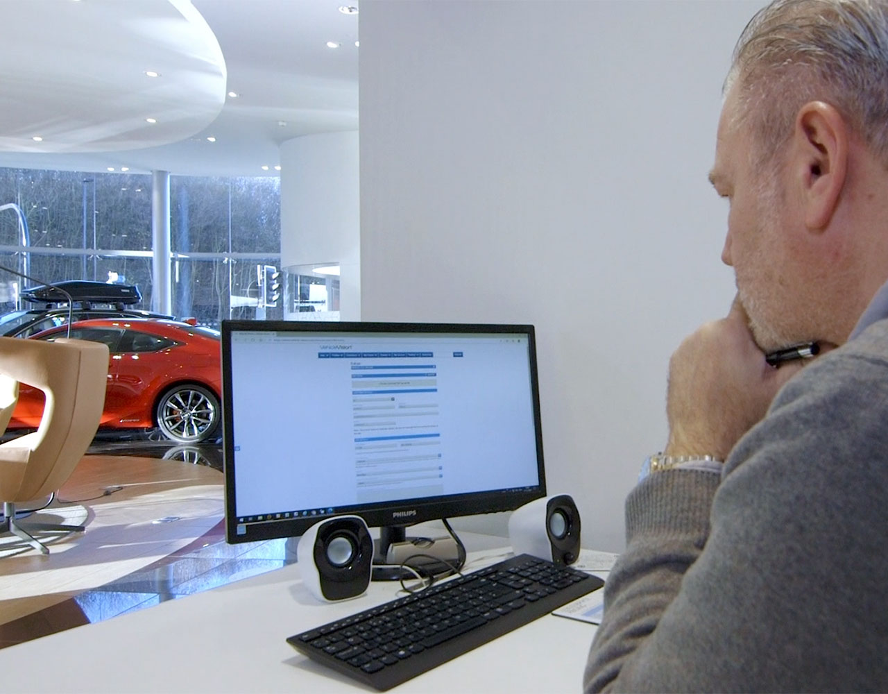 Service Advisor using Vehicle Vision Aftersales - Car sales video app